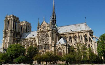 Construction et reconstruction de Notre-dame, symbole du meilleur de l'humanité